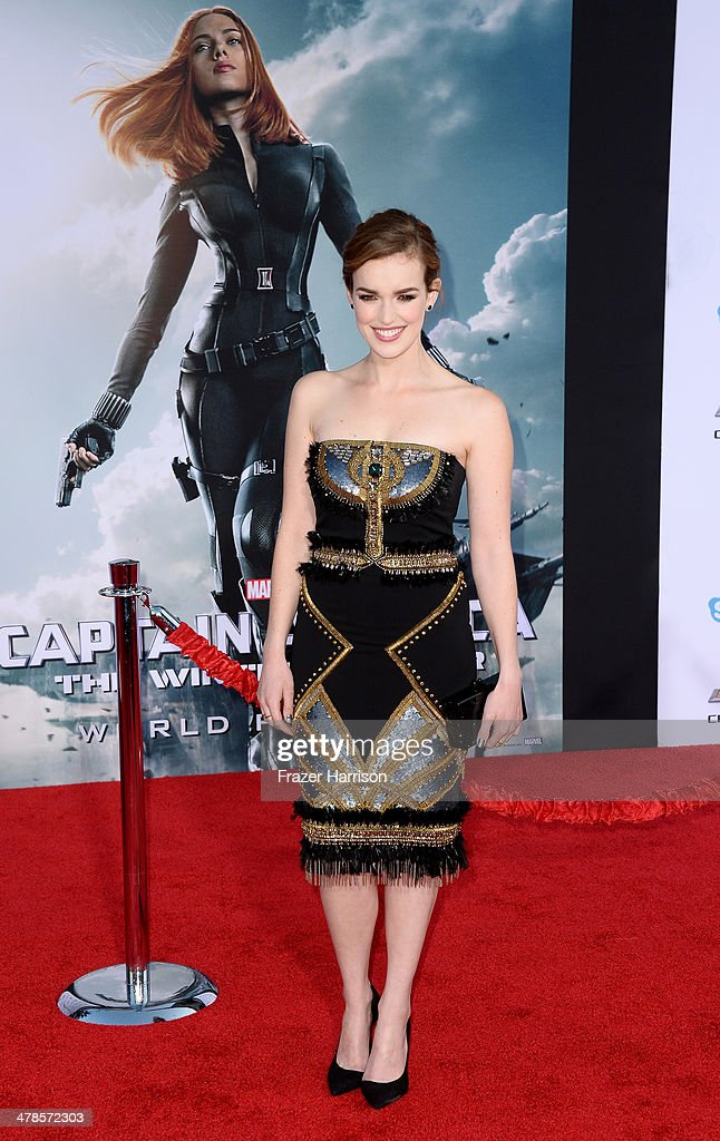 Actress <a gi-track='captionPersonalityLinkClicked' href=/galleries/search?phrase=Elizabeth+Henstridge&family=editorial&specificpeople=10926347 ng-click='$event.stopPropagation()'>Elizabeth Henstridge</a> arrives at the premiere Of Marvel's 'Captain America:The Winter Soldier at the El Capitan Theatre on March 13, 2014 in Hollywood, California.