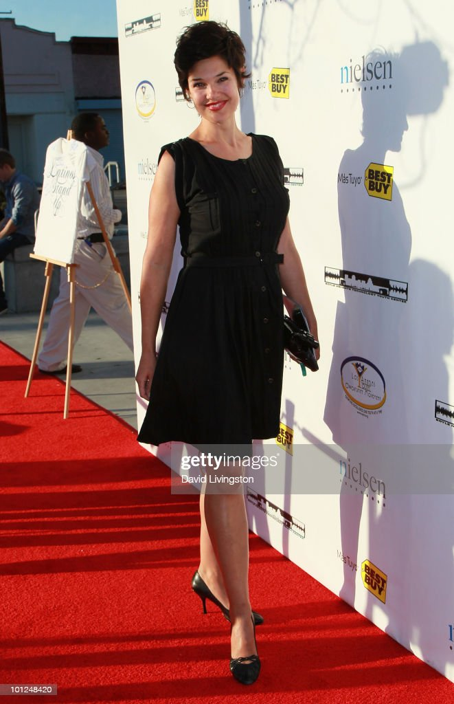 Actress Elizabeth Lackey attends the 4th Annual Community Awards Red Carpet Gala at the Boyle Heights Technology Youth Center on May 28, 2010 in Los Angeles, California.