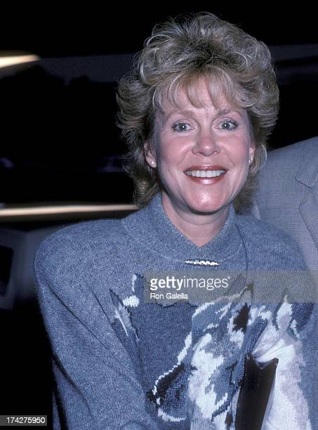 Actress Elizabeth Montgomery attends Amnesty International's 25th Anniversary Celebration on September 15 1986 at the Beverly Hilton Hotel in Beverly...