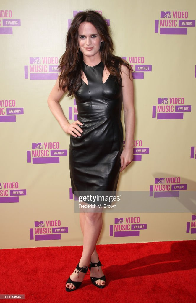 Actress <a gi-track='captionPersonalityLinkClicked' href=/galleries/search?phrase=Elizabeth+Reaser&family=editorial&specificpeople=550324 ng-click='$event.stopPropagation()'>Elizabeth Reaser</a> arrives at the 2012 MTV Video Music Awards at Staples Center on September 6, 2012 in Los Angeles, California.