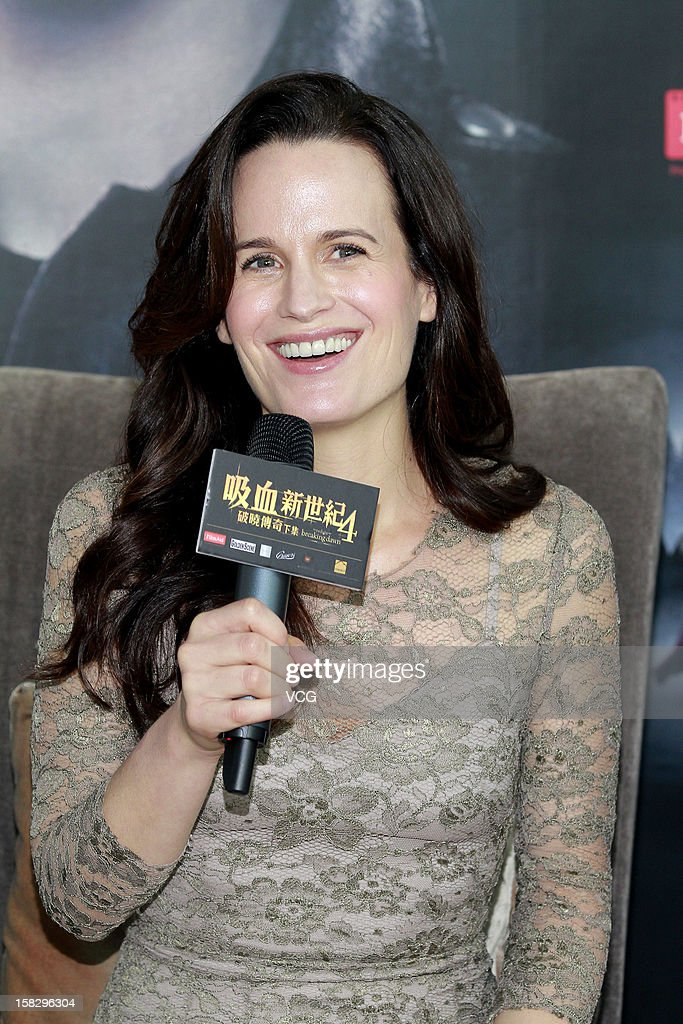 Actress <a gi-track='captionPersonalityLinkClicked' href=/galleries/search?phrase=Elizabeth+Reaser&family=editorial&specificpeople=550324 ng-click='$event.stopPropagation()'>Elizabeth Reaser</a> attends the 'Twilight Saga: Breaking Dawn Part 2' press conference on December 12, 2012 in Hong Kong, Hong Kong.
