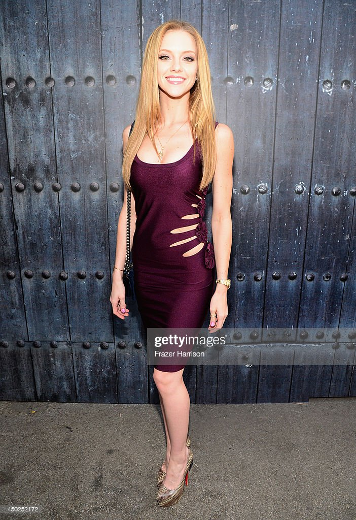 Actress Elle Evans attends Spike TV's 'Guys Choice 2014' at Sony Pictures Studios on June 7, 2014 in Culver City, California.