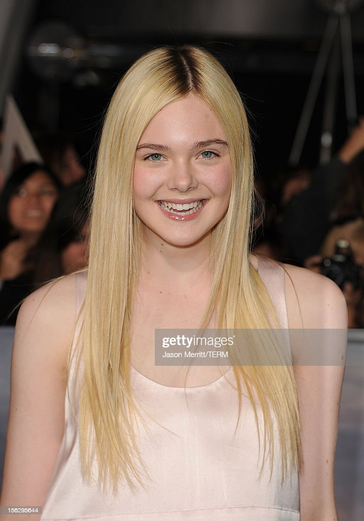 Actress Elle Fanning arrives at the premiere of Summit Entertainment's 'The Twilight Saga: Breaking Dawn - Part 2' at Nokia Theatre L.A. Live on November 12, 2012 in Los Angeles, California.