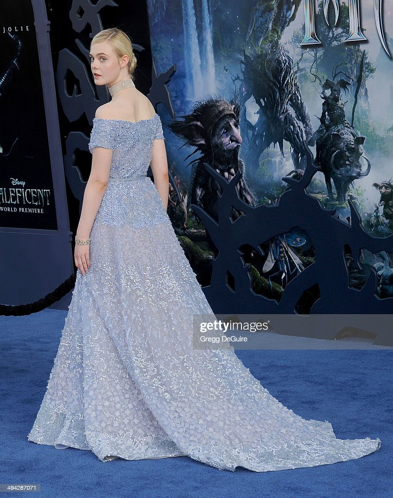 Actress <a gi-track='captionPersonalityLinkClicked' href=/galleries/search?phrase=Elle+Fanning&family=editorial&specificpeople=2189940 ng-click='$event.stopPropagation()'>Elle Fanning</a> arrives at the World Premiere Of Disney's 'Maleficent' at the El Capitan Theatre on May 28, 2014 in Hollywood, California.
