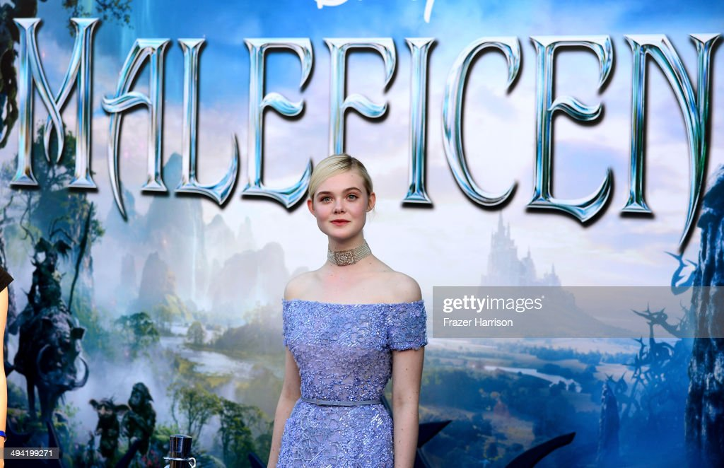 Actress <a gi-track='captionPersonalityLinkClicked' href=/galleries/search?phrase=Elle+Fanning&family=editorial&specificpeople=2189940 ng-click='$event.stopPropagation()'>Elle Fanning</a> attends the World Premiere of Disney's 'Maleficent' at the El Capitan Theatre on May 28, 2014 in Hollywood, California.