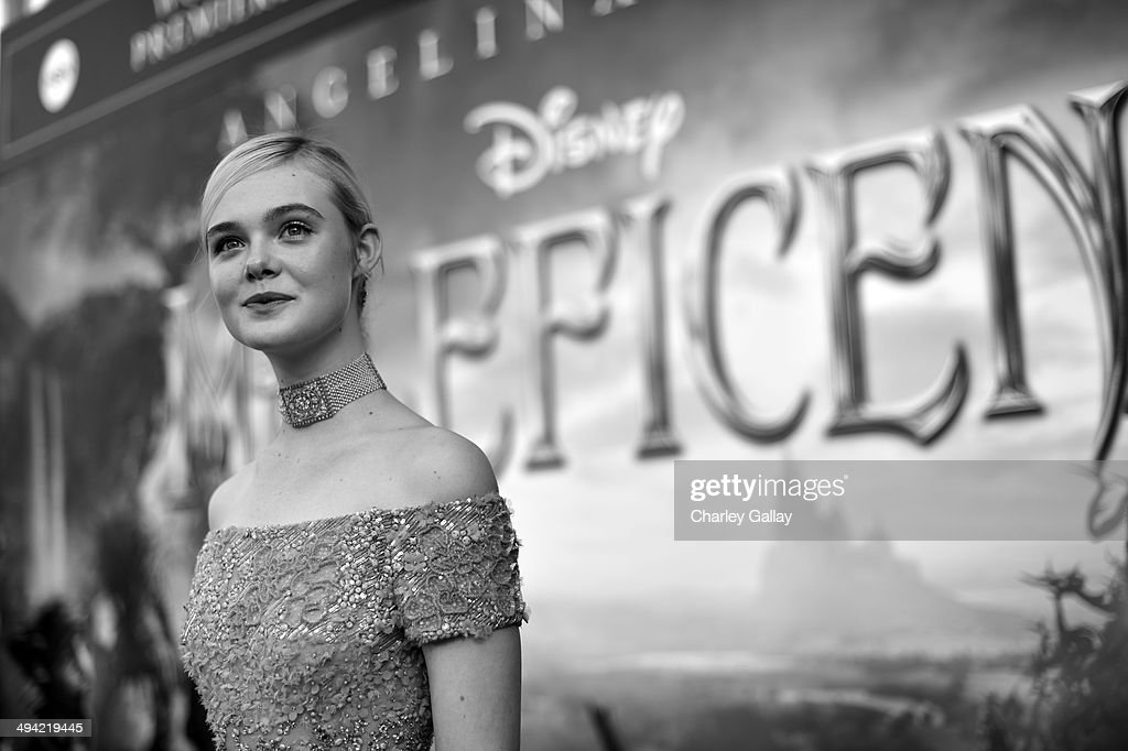 Actress <a gi-track='captionPersonalityLinkClicked' href=/galleries/search?phrase=Elle+Fanning&family=editorial&specificpeople=2189940 ng-click='$event.stopPropagation()'>Elle Fanning</a> attends the World Premiere of Disney's 'Maleficent', starring Angelina Jolie, at the El Capitan Theatre on May 28, 2014 in Hollywood, California.