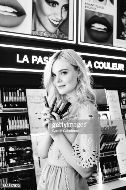 Actress Elle Fanning is photographed in the L'Oreal Paris beach studio on May 18 2017 in Cannes France