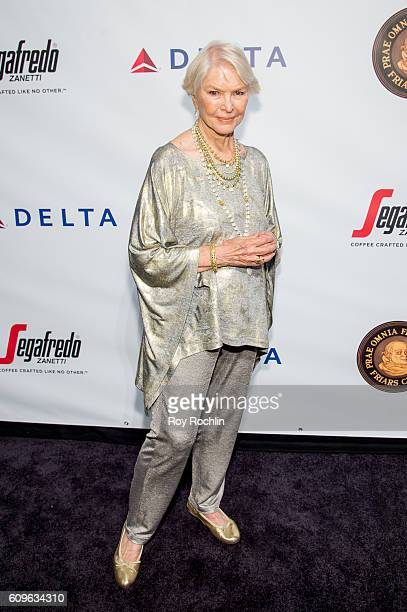Actress Ellen Burstyn attends Friars Club honors Martin Scorsese with Entertainment Icon Award at Cipriani Wall Street on September 21 2016 in New...