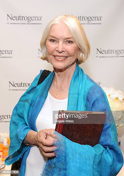 Actress Ellen Burstyn attends the HBO Luxury Lounge featuring PANDORA at Four Seasons Hotel Los Angeles at Beverly Hills on August 23 2014 in Beverly...