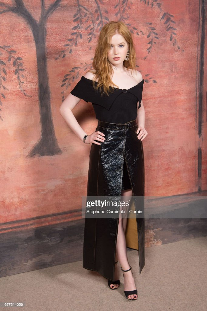 Actress Ellie Bamber attends the Chanel Cruise 2017/2018 Collection