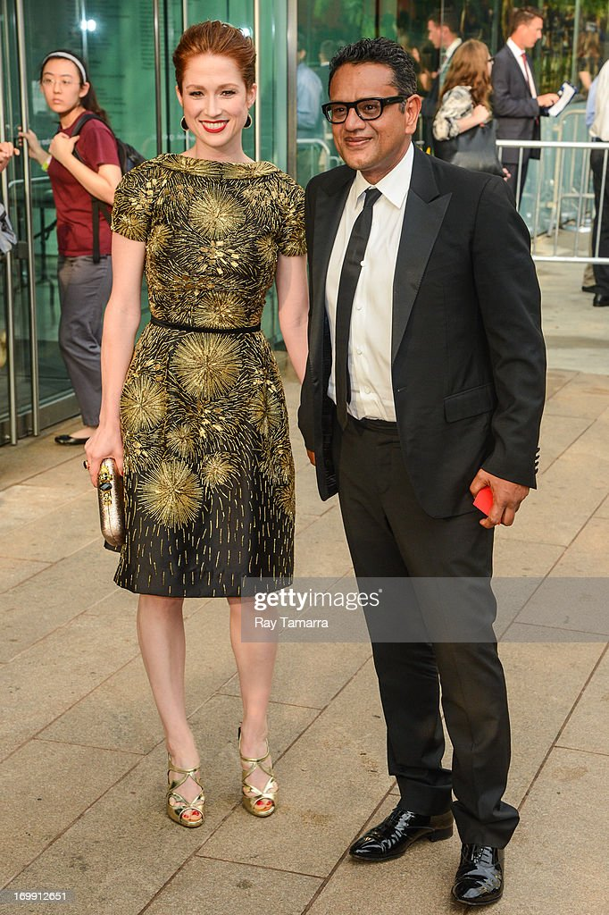 Actress <a gi-track='captionPersonalityLinkClicked' href=/galleries/search?phrase=Ellie+Kemper&family=editorial&specificpeople=6123842 ng-click='$event.stopPropagation()'>Ellie Kemper</a> (L) and designer Naeem Kahn enter the 2013 CFDA Fashion Awards on June 3, 2013 in New York, United States.