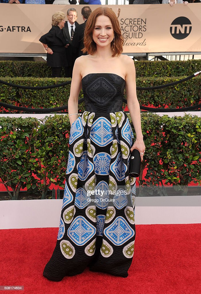 Actress Ellie Kemper arrives at the 22nd Annual Screen Actors Guild Awards at The Shrine Auditorium on January 30, 2016 in Los Angeles, California.