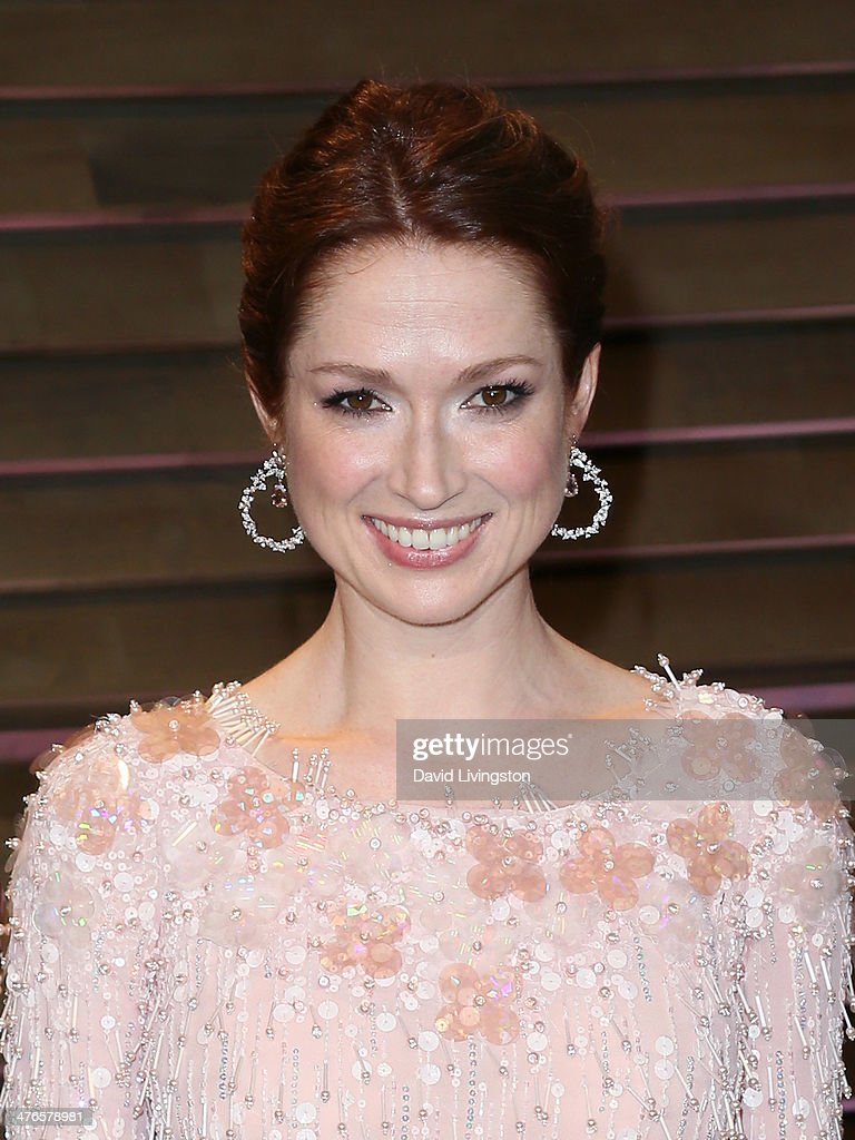Actress Ellie Kemper attends the 2014 Vanity Fair Oscar Party hosted by Graydon Carter on March 2, 2014 in West Hollywood, California.
