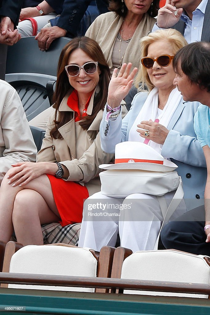 Actress Elsa Zylberstein and singer Sylvie Vartan attend the Roland Garros French Tennis Open 2014 - Day 8 on June 1, 2014 in Paris, France.