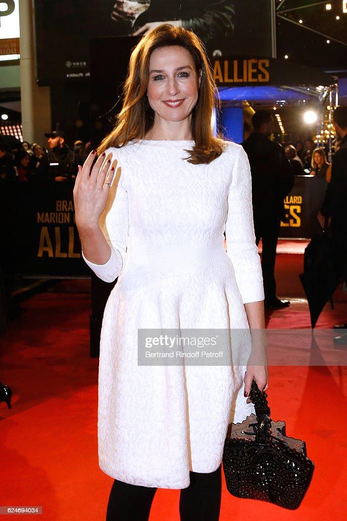 Actress Elsa Zylberstein attends the 'Allied - Allies'- Paris Premiere at Cinema UGC Normandie on November 20, 2016 in Paris, France.