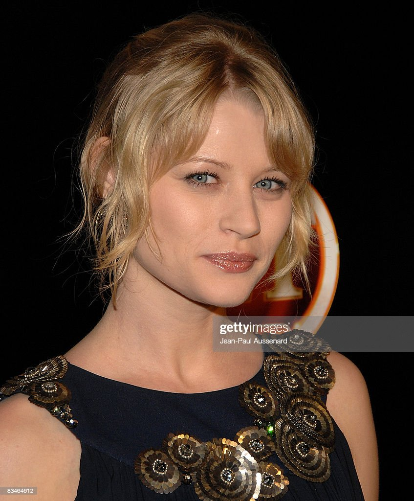 Actress Emilie de Ravin arrives at the Entertainement Tonight Emmy party held at the Walt Disney Concert Hall on September 21, 2008 in Los Angeles, California.