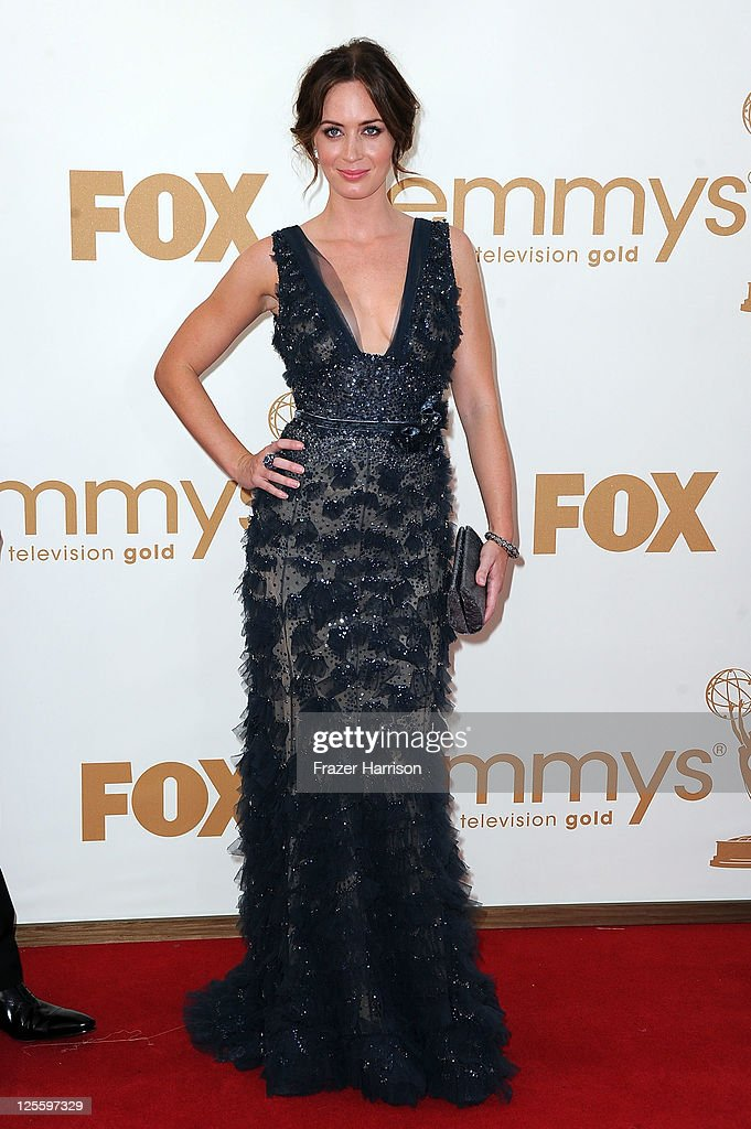Actress <a gi-track='captionPersonalityLinkClicked' href=/galleries/search?phrase=Emily+Blunt&family=editorial&specificpeople=213480 ng-click='$event.stopPropagation()'>Emily Blunt</a> arrives at the 63rd Annual Primetime Emmy Awards held at Nokia Theatre L.A. LIVE on September 18, 2011 in Los Angeles, California.