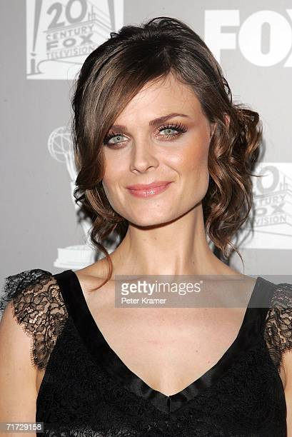 Actress Emily Deschanel arrives at the 20th Century Fox Television and FOX Broadcasting Company 2006 Emmy party held at Spago on August 27 2006 in...