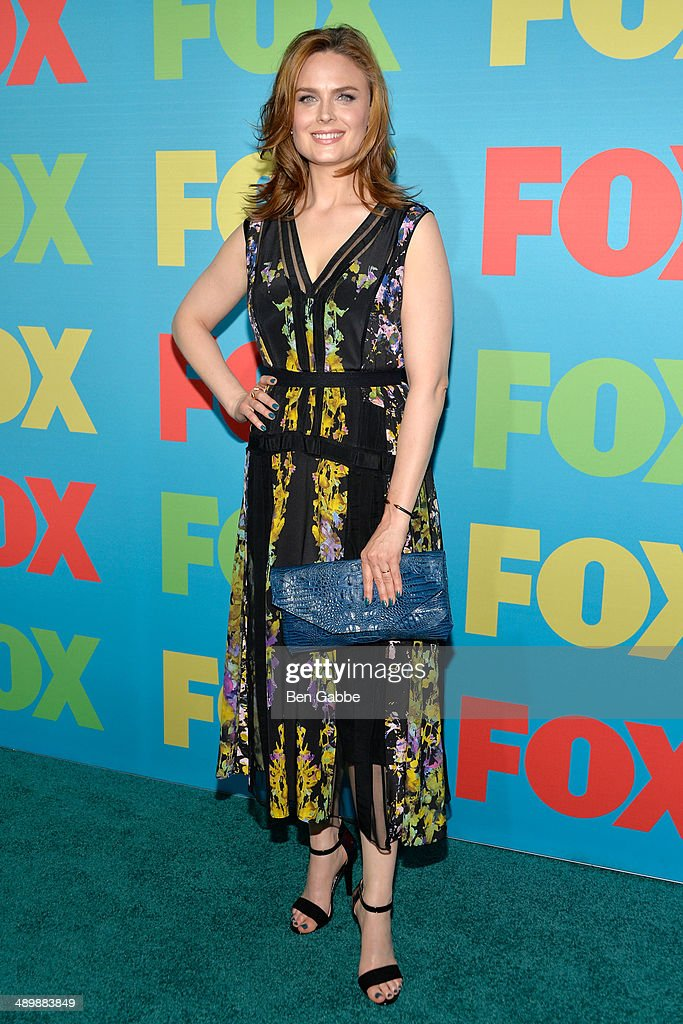 Actress <a gi-track='captionPersonalityLinkClicked' href=/galleries/search?phrase=Emily+Deschanel&family=editorial&specificpeople=240264 ng-click='$event.stopPropagation()'>Emily Deschanel</a> attends the FOX 2014 Programming Presentation at the FOX Fanfront on May 12, 2014 in New York City.
