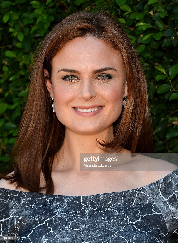 Actress <a gi-track='captionPersonalityLinkClicked' href=/galleries/search?phrase=Emily+Deschanel&family=editorial&specificpeople=240264 ng-click='$event.stopPropagation()'>Emily Deschanel</a> attends The Rape Foundation's Annual Brunch at Greenacres on September 29, 2013 in Beverly Hills, California.
