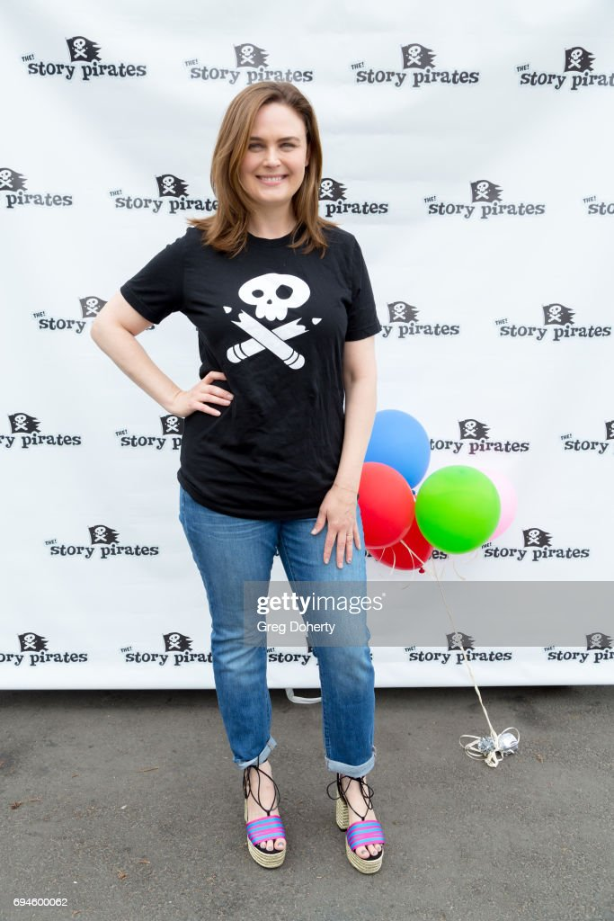 Actress Emily Deschanel attends The Story Pirates Benefit Performance at Crossroads School for Arts & Sciences on June 10, 2017 in Santa Monica, California.