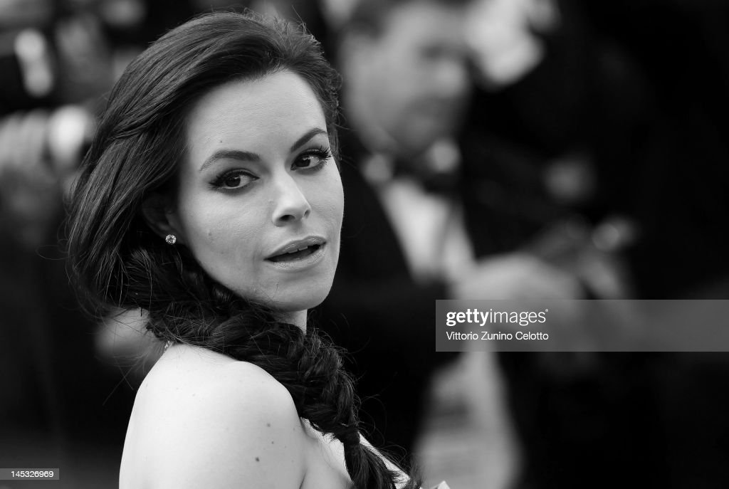 Actress Emily Hampshire attends the 'Mud' Premiere during the 65th Annual Cannes Film Festival at Palais des Festivals on May 26, 2012 in Cannes, France.