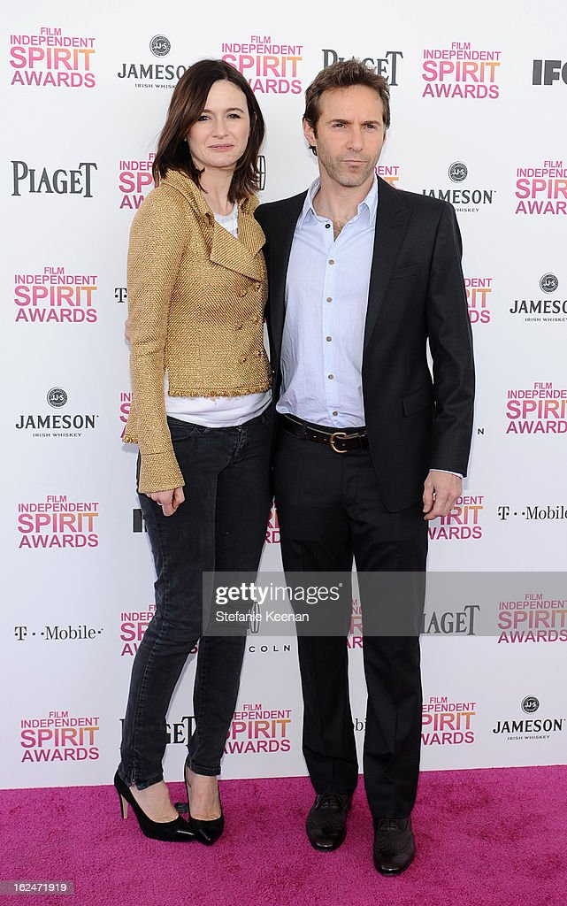 Actress Emily Mortimer and actor Alessandro Nivola arrive at The 2013 Film Independent Spirit Awards on February 23, 2013 in Santa Monica, California.