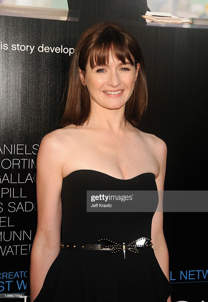 Actress Emily Mortimer arrives at HBO's New Series 'Newsroom' Los Angeles Premiere at ArcLight Cinemas Cinerama Dome on June 20, 2012 in Hollywood, California.