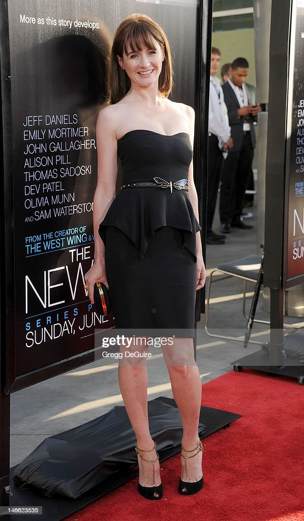 Actress Emily Mortimer arrives at the Los Angeles premiere of HBO's 'The Newsroom' at ArcLight Cinemas Cinerama Dome on June 20, 2012 in Hollywood, California.