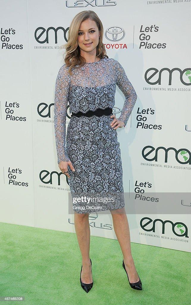 Actress Emily VanCamp arrives at the 2014 Environmental Media Awards at Warner Bros Studios on October 18 2014 in Burbank California