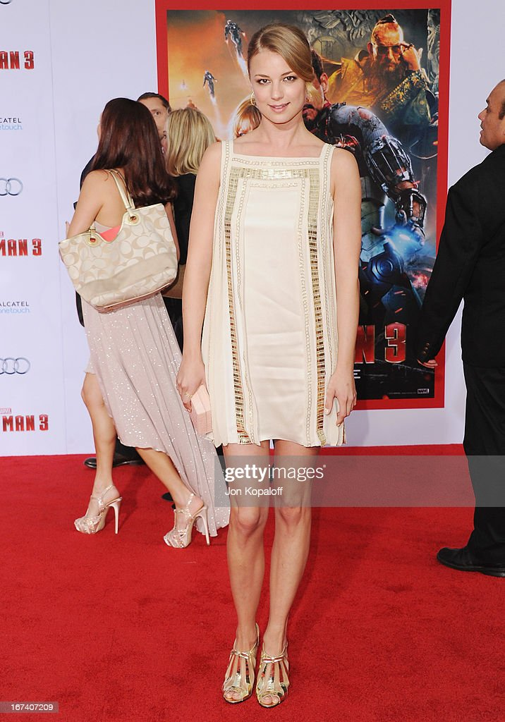 Actress Emily VanCamp arrives at the Los Angeles Premiere 'Iron Man 3' at the El Capitan Theatre on April 24, 2013 in Hollywood, California.
