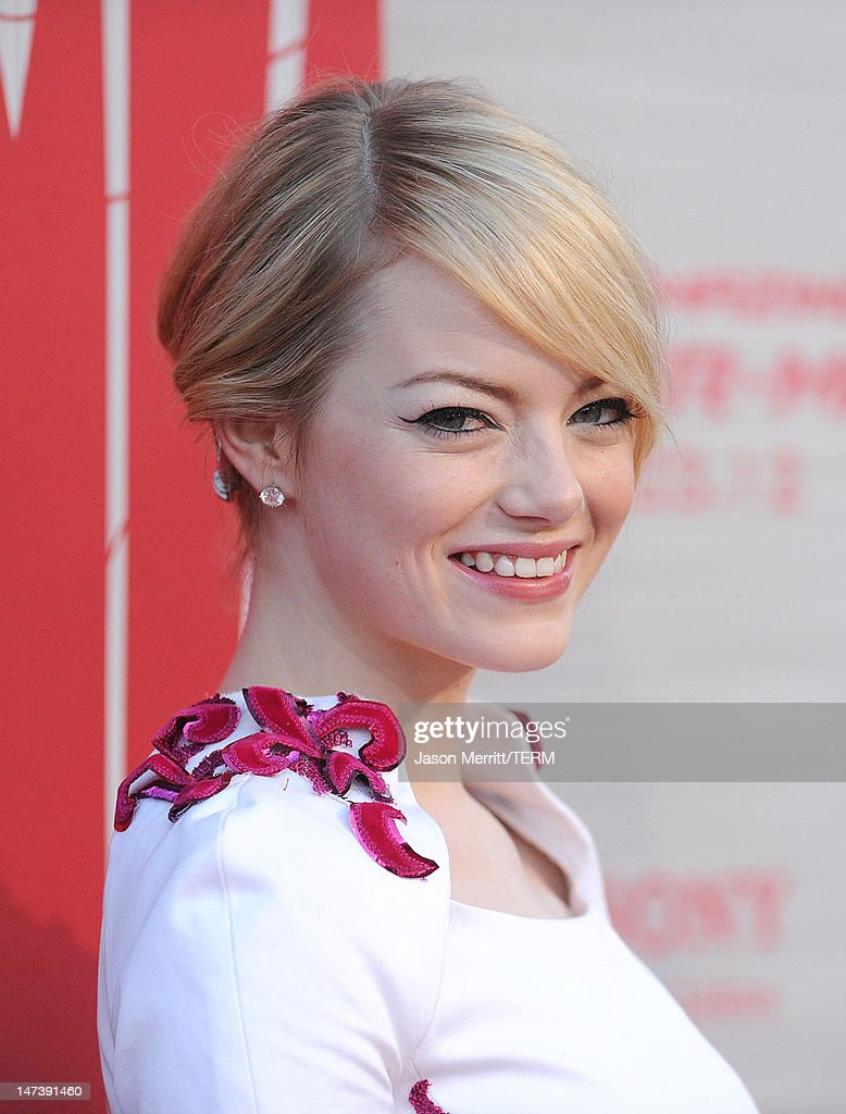 Actress <a gi-track='captionPersonalityLinkClicked' href=/galleries/search?phrase=Emma+Stone&family=editorial&specificpeople=672023 ng-click='$event.stopPropagation()'>Emma Stone</a> arrives at the premiere of Columbia Pictures' 'The Amazing Spider-Man' at the Regency Village Theatre on June 28, 2012 in Westwood, California.