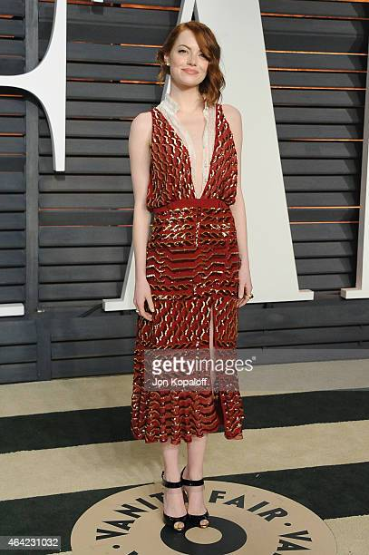 Actress Emma Stone attends the 2015 Vanity Fair Oscar Party hosted by Graydon Carter at Wallis Annenberg Center for the Performing Arts on February...