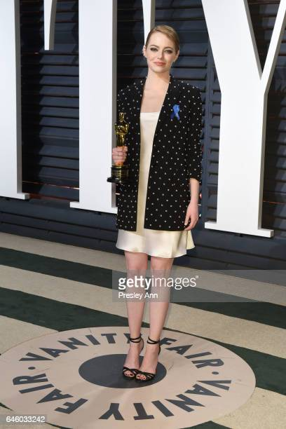 Actress Emma Stone attends the 2017 Vanity Fair Oscar Party hosted by Graydon Carter at Wallis Annenberg Center for the Performing Arts on February...