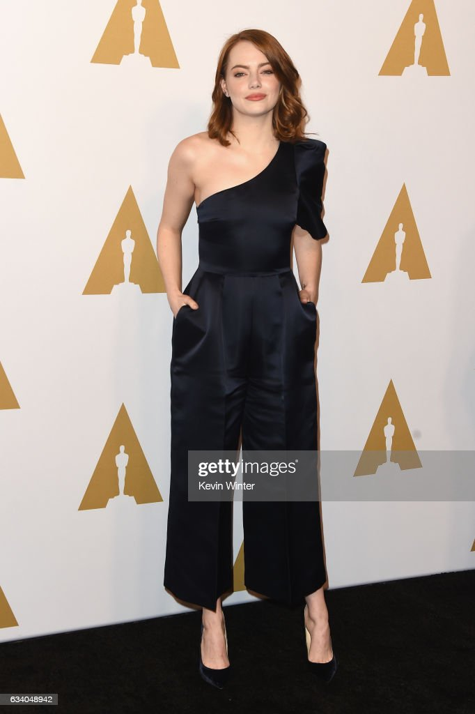 actress-emma-stone-attends-the-89th-annual-academy-awards-nominee-at-picture-id634048942