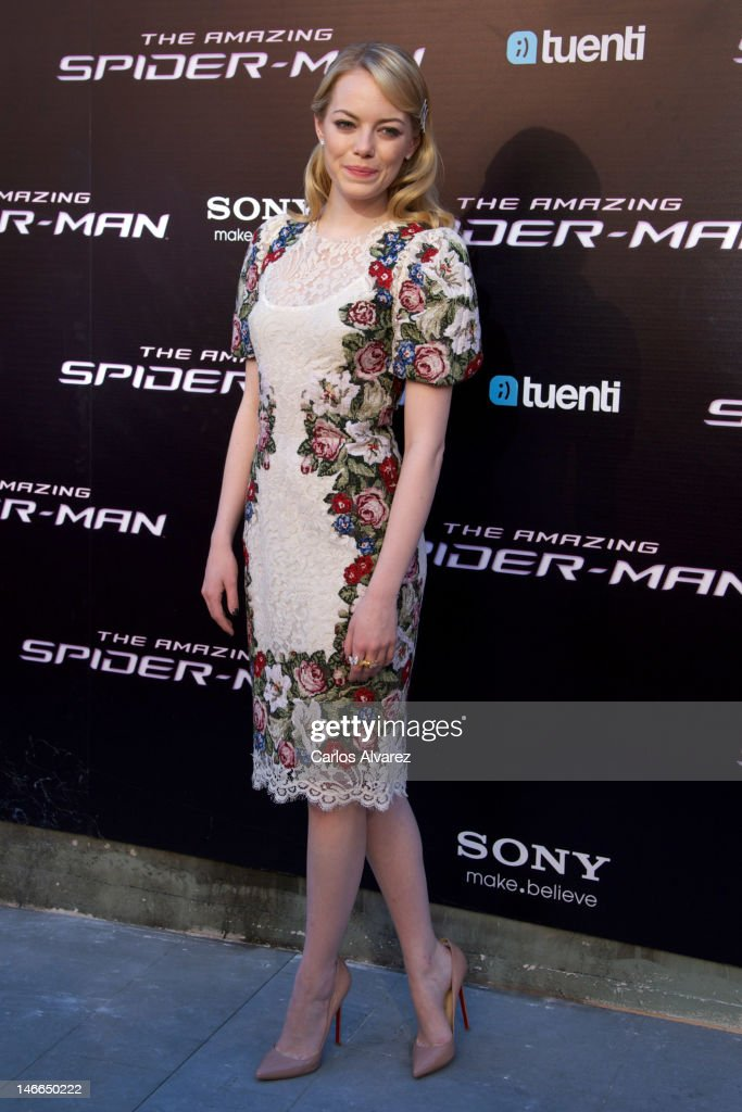 Actress <a gi-track='captionPersonalityLinkClicked' href=/galleries/search?phrase=Emma+Stone&family=editorial&specificpeople=672023 ng-click='$event.stopPropagation()'>Emma Stone</a> attends 'The Amazing Spider-Man' premiere at Callao cinema on June 21, 2012 in Madrid, Spain.