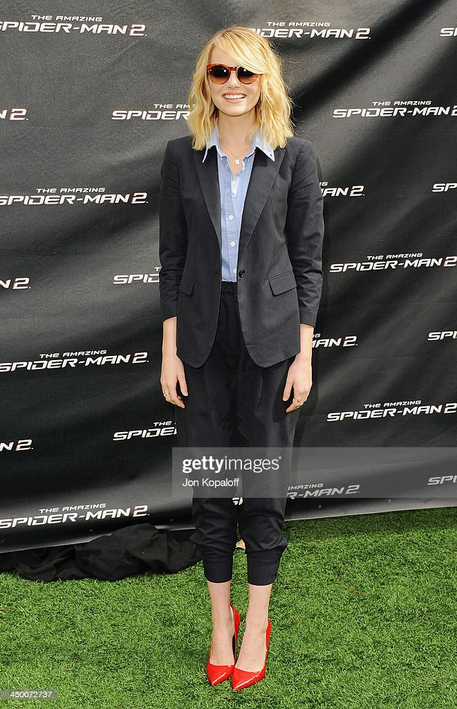 Actress <a gi-track='captionPersonalityLinkClicked' href=/galleries/search?phrase=Emma+Stone&family=editorial&specificpeople=672023 ng-click='$event.stopPropagation()'>Emma Stone</a> poses at 'The Amazing Spiderman 2' - Los Angeles Photo Call at Sony Pictures Studios on November 16, 2013 in Culver City, California.