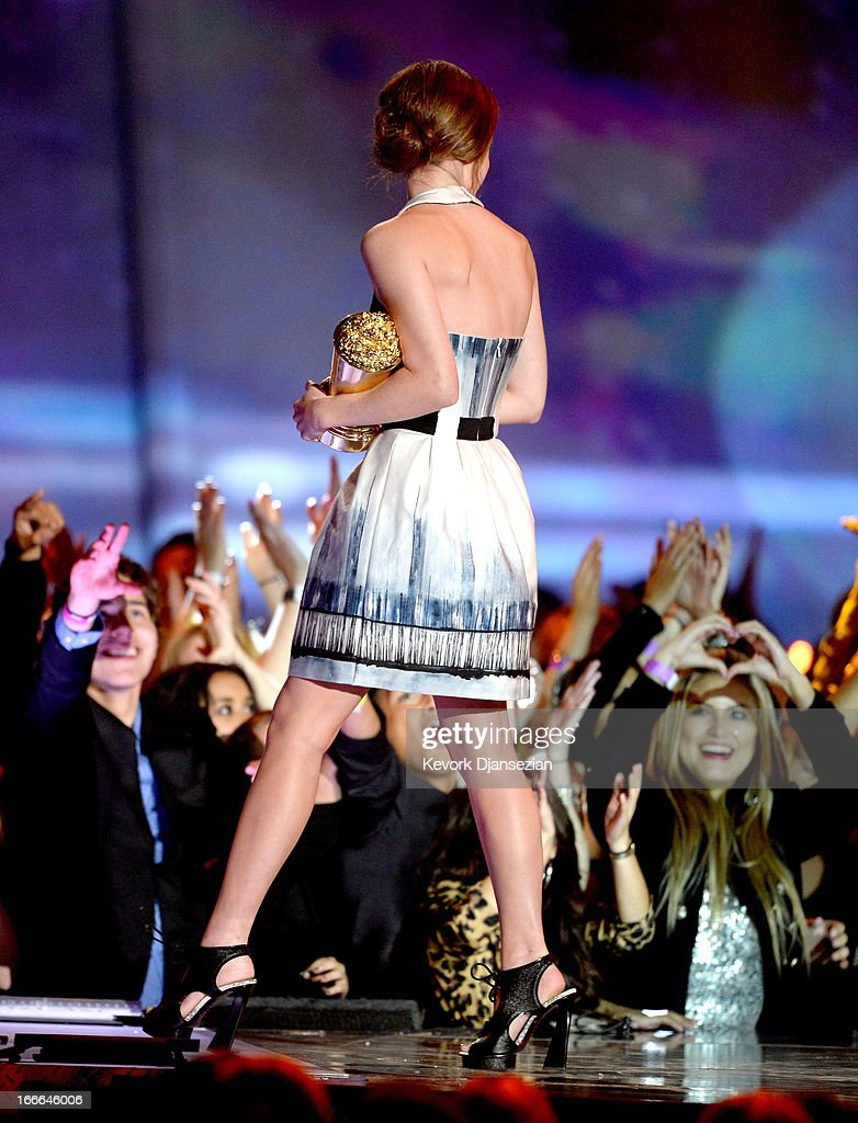 Actress Emma Watson accepts the MTV Trailblazer award onstage during the 2013 MTV Movie Awards at Sony Pictures Studios on April 14, 2013 in Culver City, California.