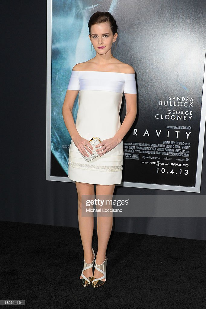 Actress <a gi-track='captionPersonalityLinkClicked' href=/galleries/search?phrase=Emma+Watson&family=editorial&specificpeople=171373 ng-click='$event.stopPropagation()'>Emma Watson</a> attends the 'Gravity' premiere at AMC Lincoln Square Theater on October 1, 2013 in New York City.
