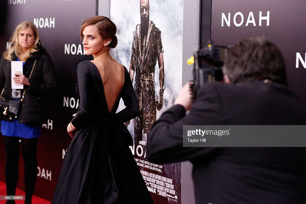Actress <a gi-track='captionPersonalityLinkClicked' href=/galleries/search?phrase=Emma+Watson&family=editorial&specificpeople=171373 ng-click='$event.stopPropagation()'>Emma Watson</a> attends the 'Noah' premiere at Ziegfeld Theatre on March 26, 2014 in New York City.