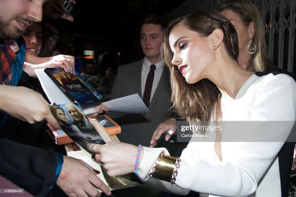 Actress <a gi-track='captionPersonalityLinkClicked' href=/galleries/search?phrase=Emma+Watson&family=editorial&specificpeople=171373 ng-click='$event.stopPropagation()'>Emma Watson</a> attends the premiere of Paramount Pictures 'Noah' (Noe) at the Palafox cinema on March 17, 2014 in Madrid, Spain.