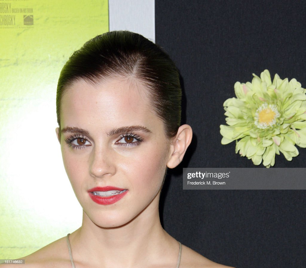 Actress <a gi-track='captionPersonalityLinkClicked' href=/galleries/search?phrase=Emma+Watson&family=editorial&specificpeople=171373 ng-click='$event.stopPropagation()'>Emma Watson</a> attends the Premiere Of Summit Entertainment's 'The Perks Of Being A Wallflower' at the Arclight Cinerama Dome on September 10, 2012 in Hollywood, California.