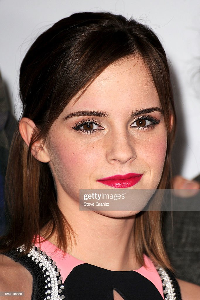 Actress <a gi-track='captionPersonalityLinkClicked' href=/galleries/search?phrase=Emma+Watson&family=editorial&specificpeople=171373 ng-click='$event.stopPropagation()'>Emma Watson</a> poses in the press room during the 2013 People's Choice Awards at Nokia Theatre L.A. Live on January 9, 2013 in Los Angeles, California.