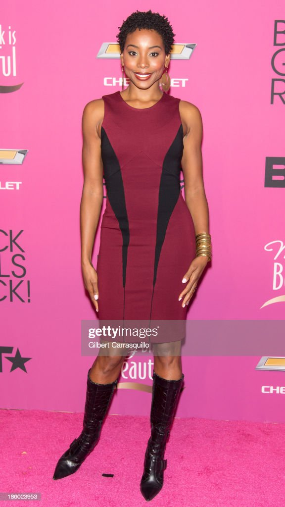 Actress Erica Ash attends Black Girls Rock! 2013 at New Jersey Performing Arts Center on October 26, 2013 in Newark, New Jersey.