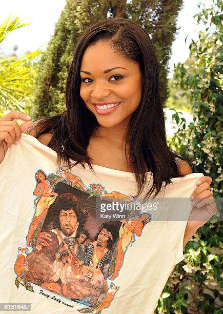 Actress Erica Hubbard poses with a Burray Olson designed Jimi Hendrix tshirt during the 2008 DPA Garden Party gift suite held at The Terrace at...