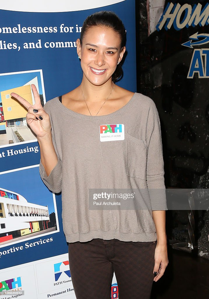 Actress Ericka Hunter attends PATH's 4th Annual Thanksgiving Meal at Pink Taco on November 22, 2012 in Los Angeles, California.