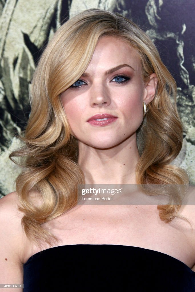 Actress <a gi-track='captionPersonalityLinkClicked' href=/galleries/search?phrase=Erin+Richards&family=editorial&specificpeople=8221042 ng-click='$event.stopPropagation()'>Erin Richards</a> attends the 'The Quiet Ones' Los Angeles premiere held at The Theatre At Ace Hotel on April 22, 2014 in Los Angeles, California.