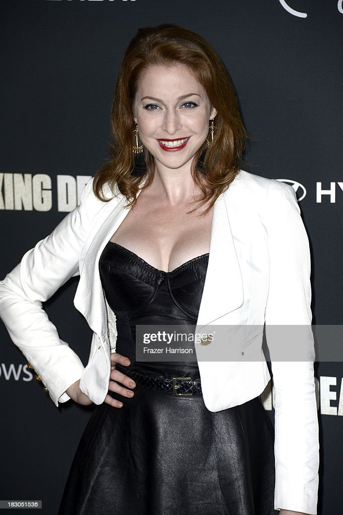 Actress <a gi-track='captionPersonalityLinkClicked' href=/galleries/search?phrase=Esme+Bianco&family=editorial&specificpeople=5348183 ng-click='$event.stopPropagation()'>Esme Bianco</a> arrives at the premiere of AMC's 'The Walking Dead' 4th season at Universal CityWalk on October 3, 2013 in Universal City, California.