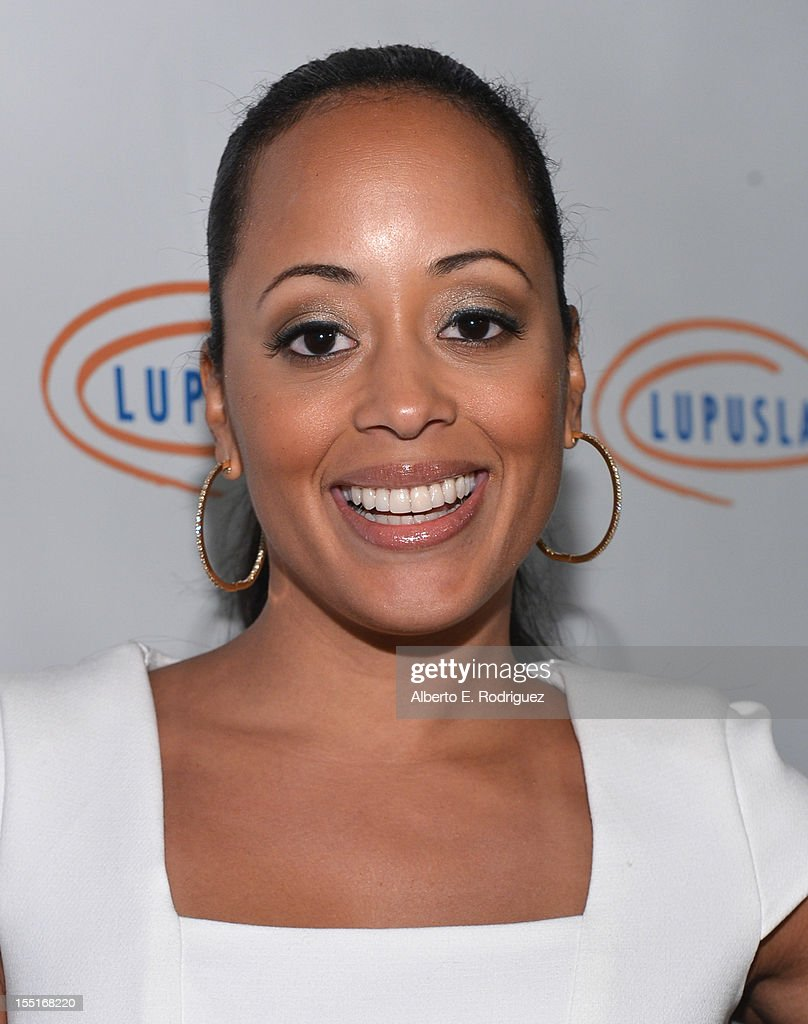 Actress Essence Atkins arrives to the Lupus LA 10th Anniversary Hollywood Bag Ladies Luncheon at Regent Beverly Wilshire Hotel on November 1, 2012 in Beverly Hills, California.