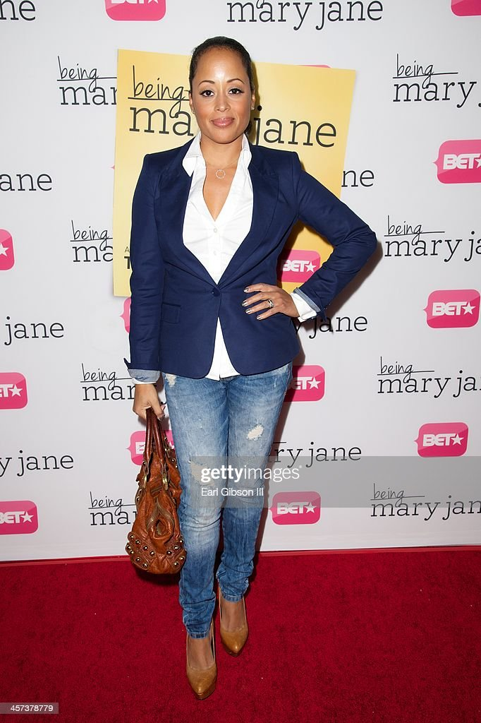 Actress <a gi-track='captionPersonalityLinkClicked' href=/galleries/search?phrase=Essence+Atkins&family=editorial&specificpeople=225171 ng-click='$event.stopPropagation()'>Essence Atkins</a> attends BET's New Series 'Being Mary Jane' Los Angeles Premiere on December 16, 2013 in Los Angeles, California.
